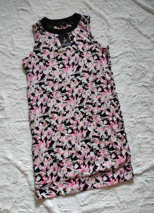 Легкое вискозное платье туника фирменная в цветочный принт бренд atmosphere размер с/м