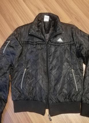 Куртка спортивная чёрная  короткая деми