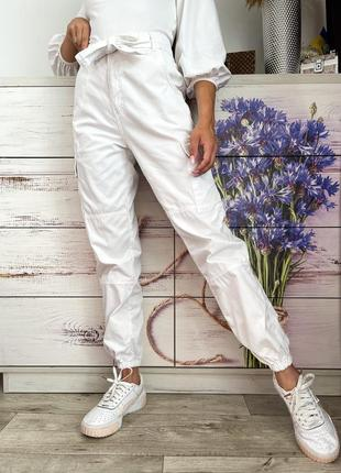 Белые джинсы штаны карго на высокой посадке 1+1=3