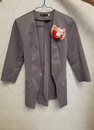 Пиджак нарядный