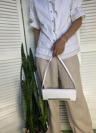 Льняные брюки бежевого цвета прямого кроя vackpot на средней посадке