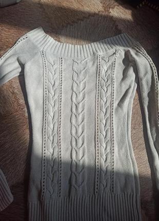 Свитерок с красивыми плечами, свитер