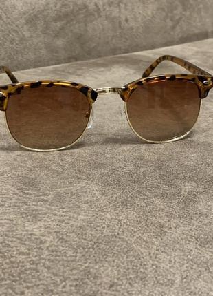 Стильные солнцезащитные леопардовые очки унисекс