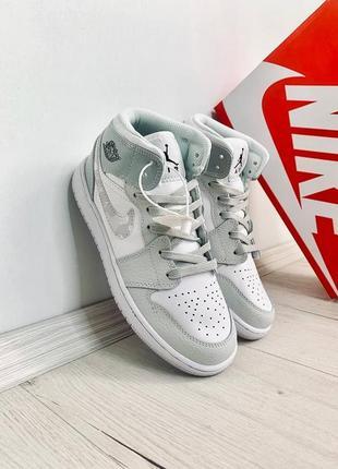 Женские кроссовки air jordan retro grey camo наложенный платёж