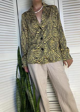 Пиджак в пижамном стиле в анималистичный принт rblz