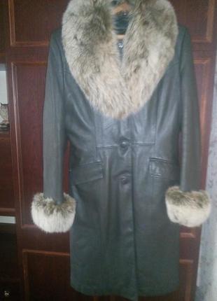 Кожаное теплое пальто