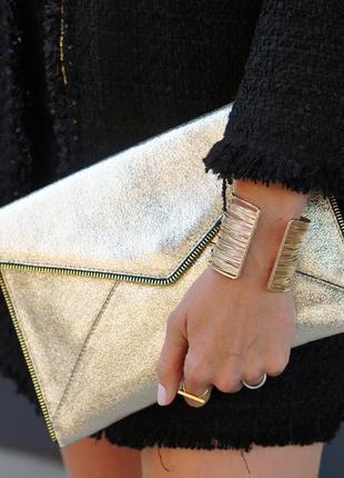 Rebecca minkoff золотой (шампань) клатч- конверт из натуральной кожи