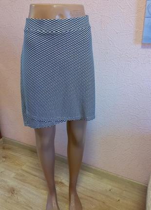 Красивая легкая трикотажная юбка hema 70 % вискоза акция 1+1 =3