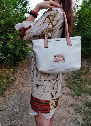 Фирменная винтажная женская сумка guess белая женская сумка винтаж молочная женская сумка шоппер однотонная женская сумка с ручками