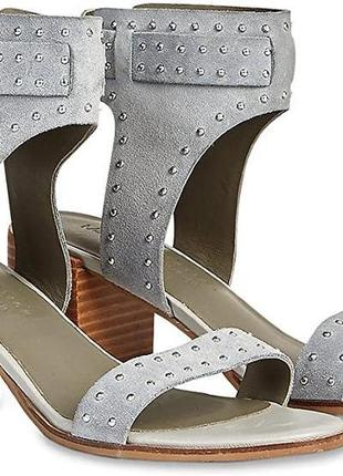 Новые замшевые босоножки на низком ходу, большой размер