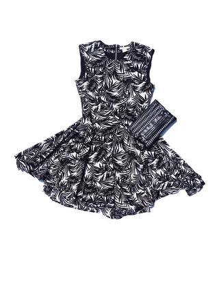 Стильное красивое пёстрое чёрно белое платье с пышной юбкой h&m