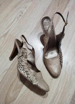 Акция 1+1=3🤑🤩очень красивые нарядные кожаные туфли лодочки с открытой пяткой 38-39р