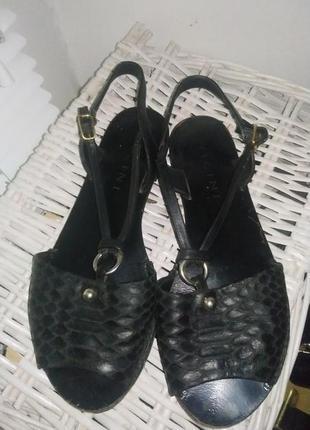 Vicini босоножки ,сандалии .