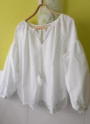 Белая рубашка с вышивкой от nulu