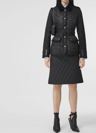 Демисезонная стёганная куртка с поясом размер м