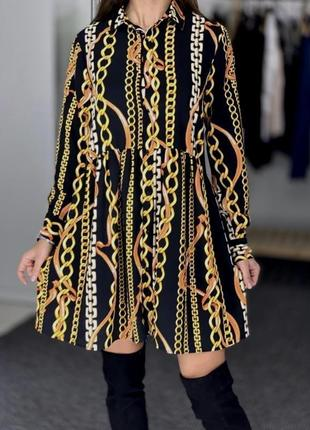 Черное платье -рубашка с принтом из цепей