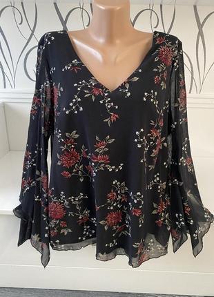 Шикарна святкова блуза etam