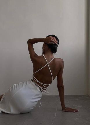 Платье с открытой спинкой длина миди
