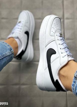 Nike кроссовки женские белые кожаные