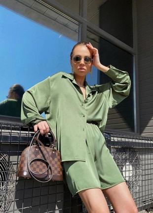 Шёлковый костюм шорты с рубашкой женский тренд 2021