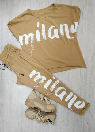 Костюм в идеальном состоянии футболка и штаны