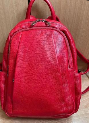 Женский кожаный натуральный рюкзак красный genuine leather италия на плечо много карманов  малиновый коралловый vera pelle