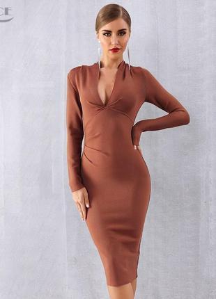 Шикарное платье миди по фигуре с v образным декольте и шнуровкой по бокам