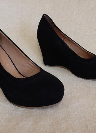 Натуральные замшевые туфли на танкетке фирмы 5 th avenue ( германия) р.39 стелька 25 см