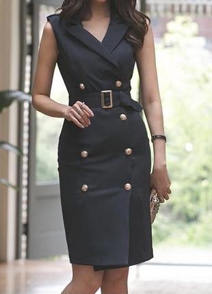 Элегантное двубортное платье-блейзер