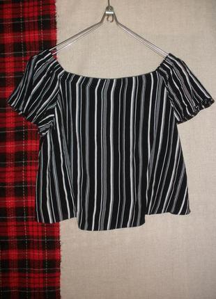 Короткая блуза кроп топ открытые плечи new look полоска вискоза