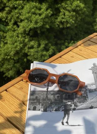 Стильні сонцезахисні окуляри на літо 20215 фото