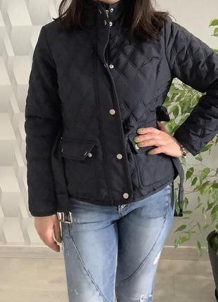 Женская демисезонная стёганная куртка с поясом размер м4 фото