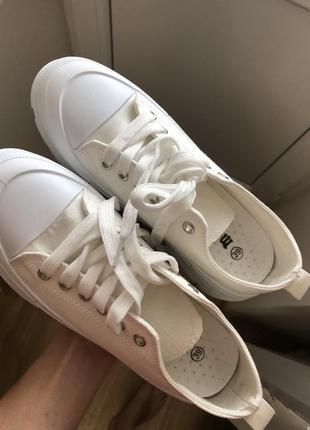 Продам кеди кеды білі белые 38 39 італія текстиль нові