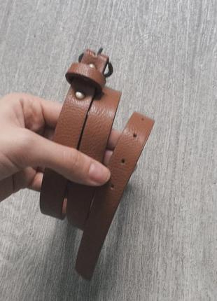 Коричневая ремень на талии (платье или юбка, брючки с высокой талией)