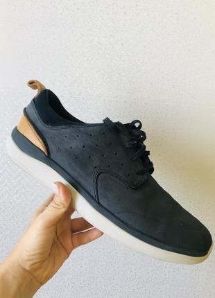 Чоловічі шкіряні туфлі макасіни clarks