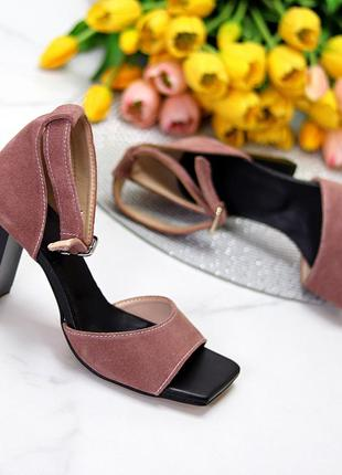Босоножки на каблуке, замшевые босоножки