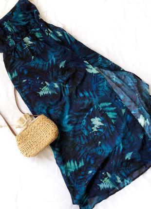 Платье бандо бюстье с разрезом на бедре
