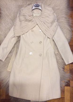 Итальянское пальто из белой шерсти