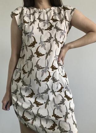 Платье в крокодильчики