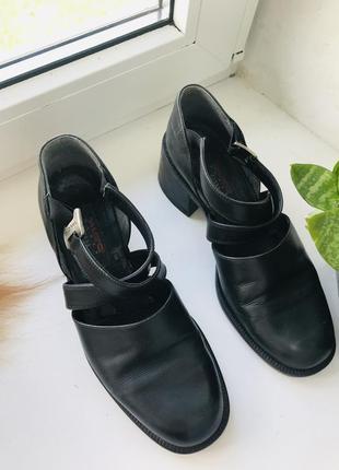 Кожа шкіра туфлі макасіни лофери