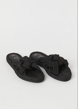 Трендові сандалі від h&m