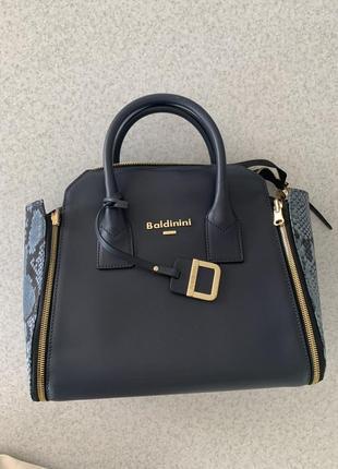 Красивая и стильная сумка baldinini