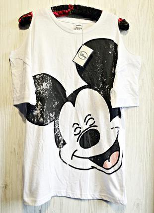 Очень крутая футболочка с микки и открытыми плечиками фирмы atmosphere