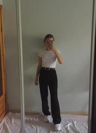 Черные брюки в пол