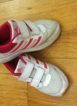 Кроссовки адидас adidas ,оригинал,фирменные 31р,по стельке 19см