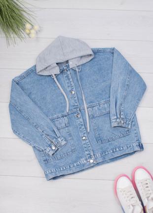 Женская джинсовая куртка с принтом на спине и капюшоном/размеры: xl, 2xl, 3xl