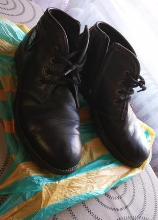Ботинки осенние кожаные 39 размер