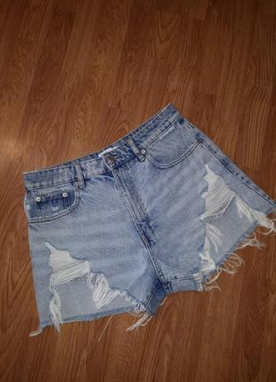Фірмові джинсові шорти на