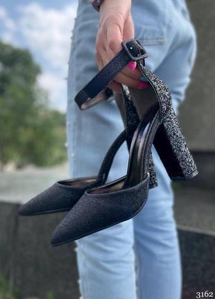 Туфли чёрные с блёстками