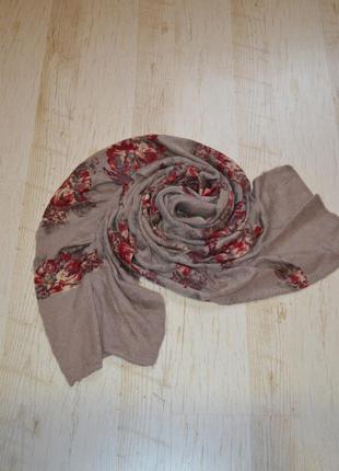 Вязаный шарф  цветы резинки next